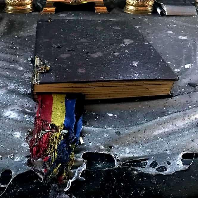 biblia si tricolorul isu arad